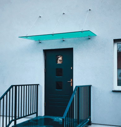 Stogelis virš durų