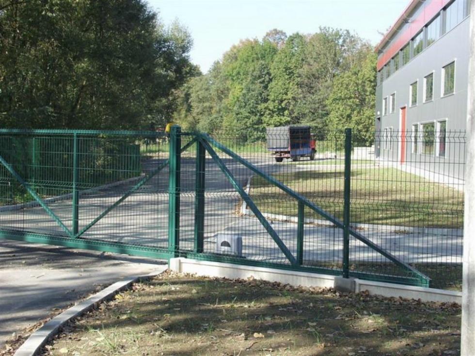 Slankiojantys kiemo vartai
